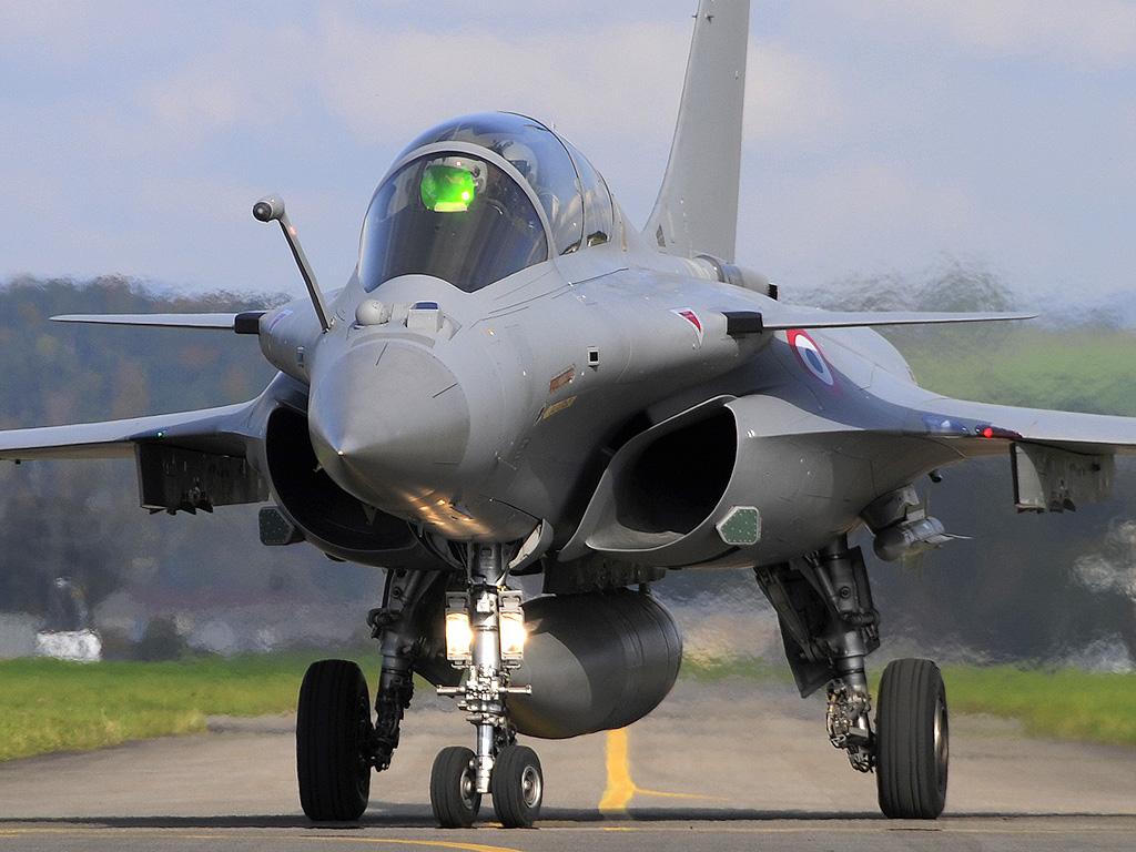 """Guerra nos Céus: Dassault """"abate"""" Boeing e SAAB"""